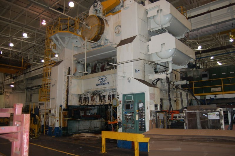 1983 used 2000 Ton Danly #SE4-2000-180-84 TFQ 4-Point Eccentric Geared Straight Side  Press for sale
